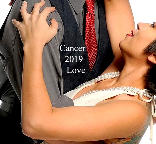 Cancer 2019 Love Horoscope: Love Takes Time